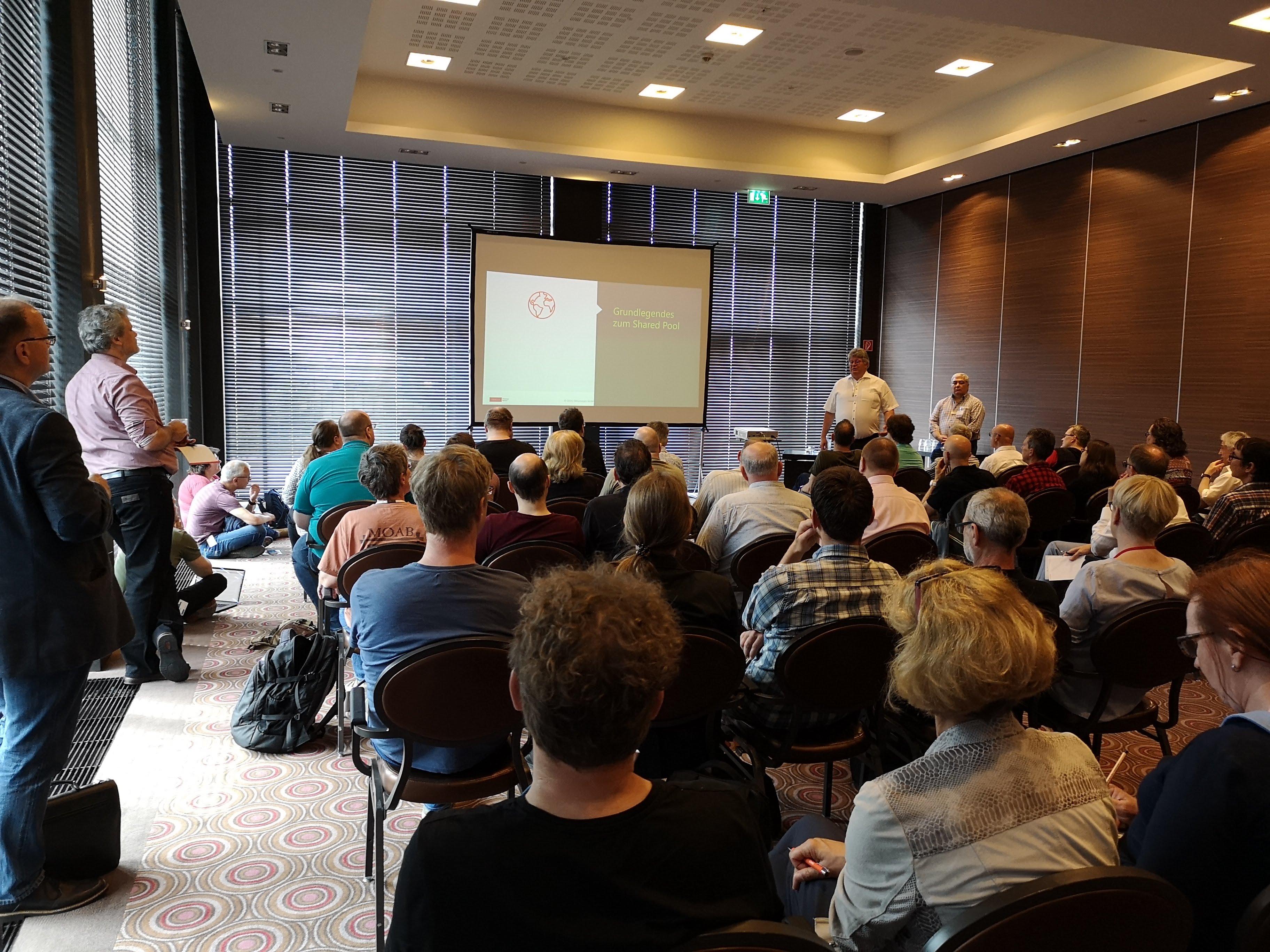 Überfüllter Vortrag von Lothar Flatz Trouble im Shared Pool